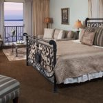 River Suite 203 - King Size Bed