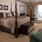 River Suite 302 - King Size Bed