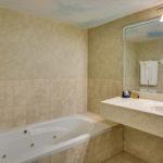 Room 104 jet bath