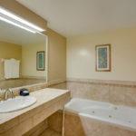 River Suites Room 105 Bathroom