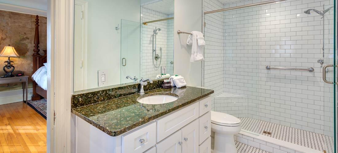 Mediteranean Suite Bath
