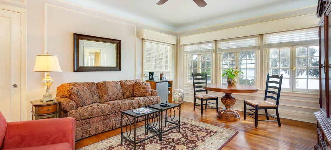 Mediteranean Suite Living Room